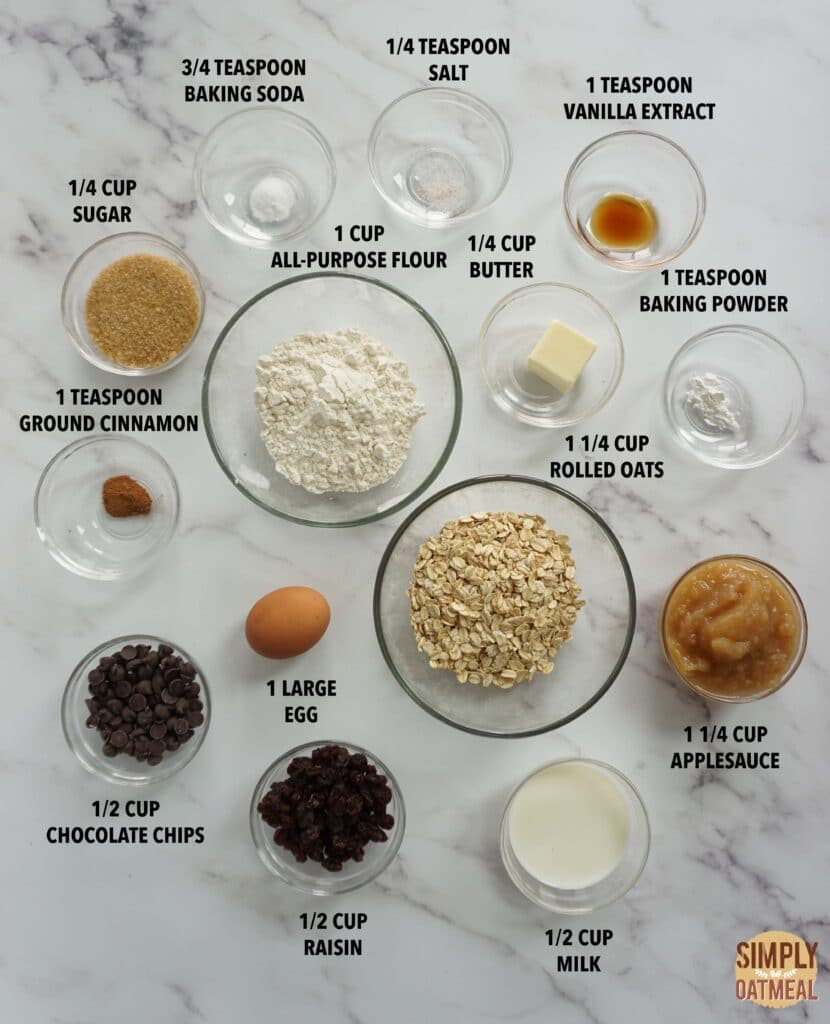 Ingredients to make applesauce oatmeal muffins
