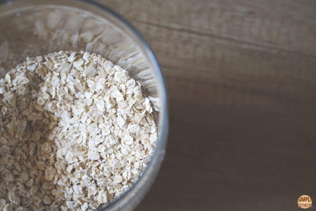 Glass bowl with a portion of quick oats inside