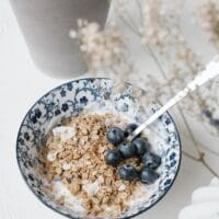 Is it safe to eat expired oats